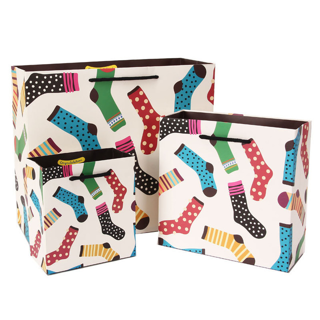 5pcs-lot-fashion-high-end-party-paper-portable-packaging-bag-kids-birthday-party-gift-paper-bag.jpg_640x640
